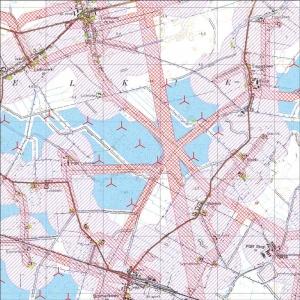 Rys. 1. Wynik analizy terenów dla dopuszczalnej lokalizacji elektrowni wiatrowych (kolor-niebieski).