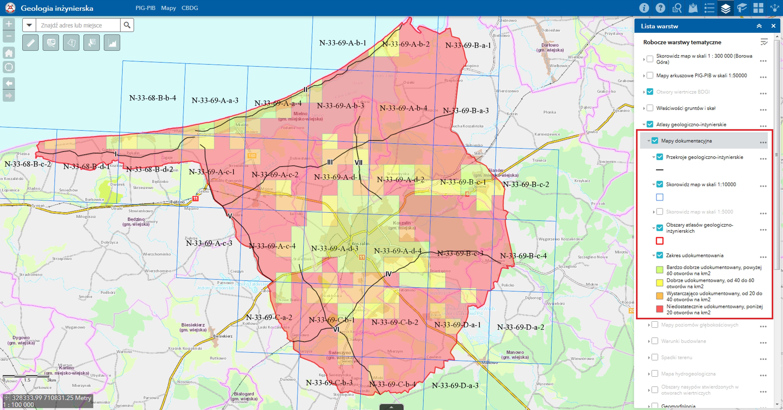 Rys. 4. PortalCBDG. Skorowidz arkuszy map geologiczno-inżynierskich w skali 1:10 000 dla Atlasu Koszalina oraz warstwa zakresu udokumentowania o rozdzielczości 1 x 1 km, która informuje użytkownika o liczbie otworów badawczych wykonanych w danym oczku siatki.