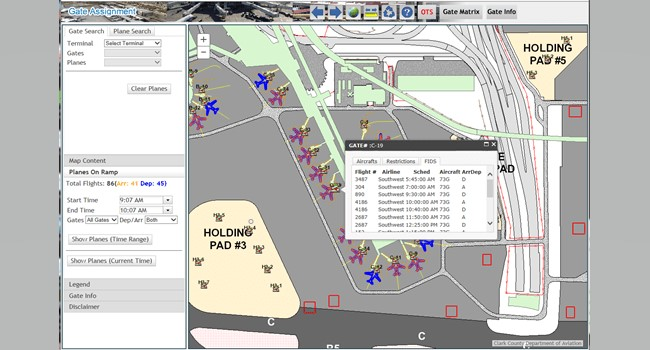 Rys. 3. Aplikacja Gate Assignment (Przypisanie bramki) wyświetla ważne i aktualne informacje o locie, dzięki czemu operatorzy mogą łatwo i elastycznie, za pomocą kilku kliknięć, przypisać samolot do odpowiednich struktur lotniska.